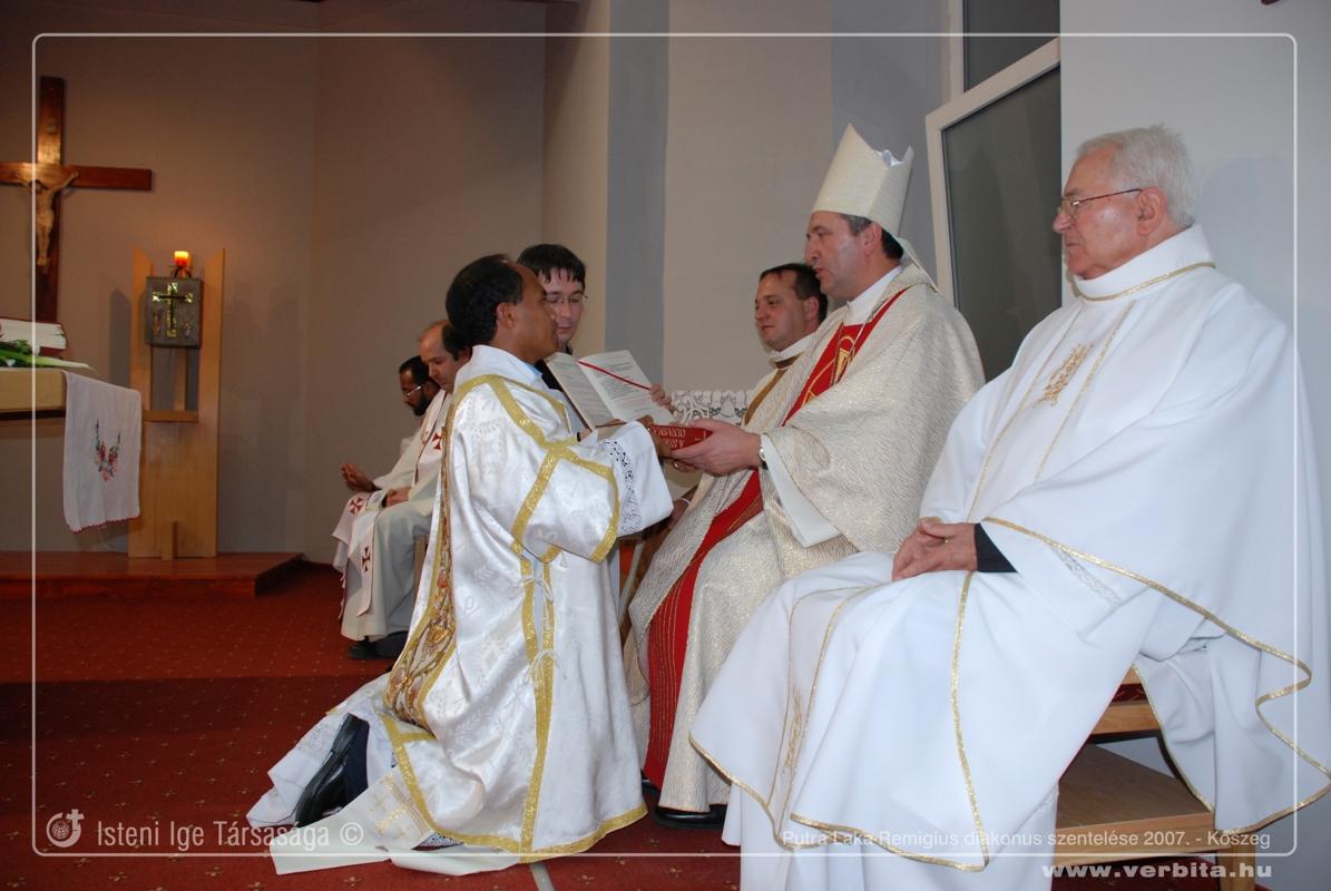 Putra Laka Remigius SVD diakonus szentelése 2007. november - Kõszeg