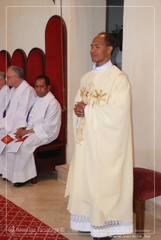 Putra Laka Remigius SVD papszentelése 2008. május - Budatétény
