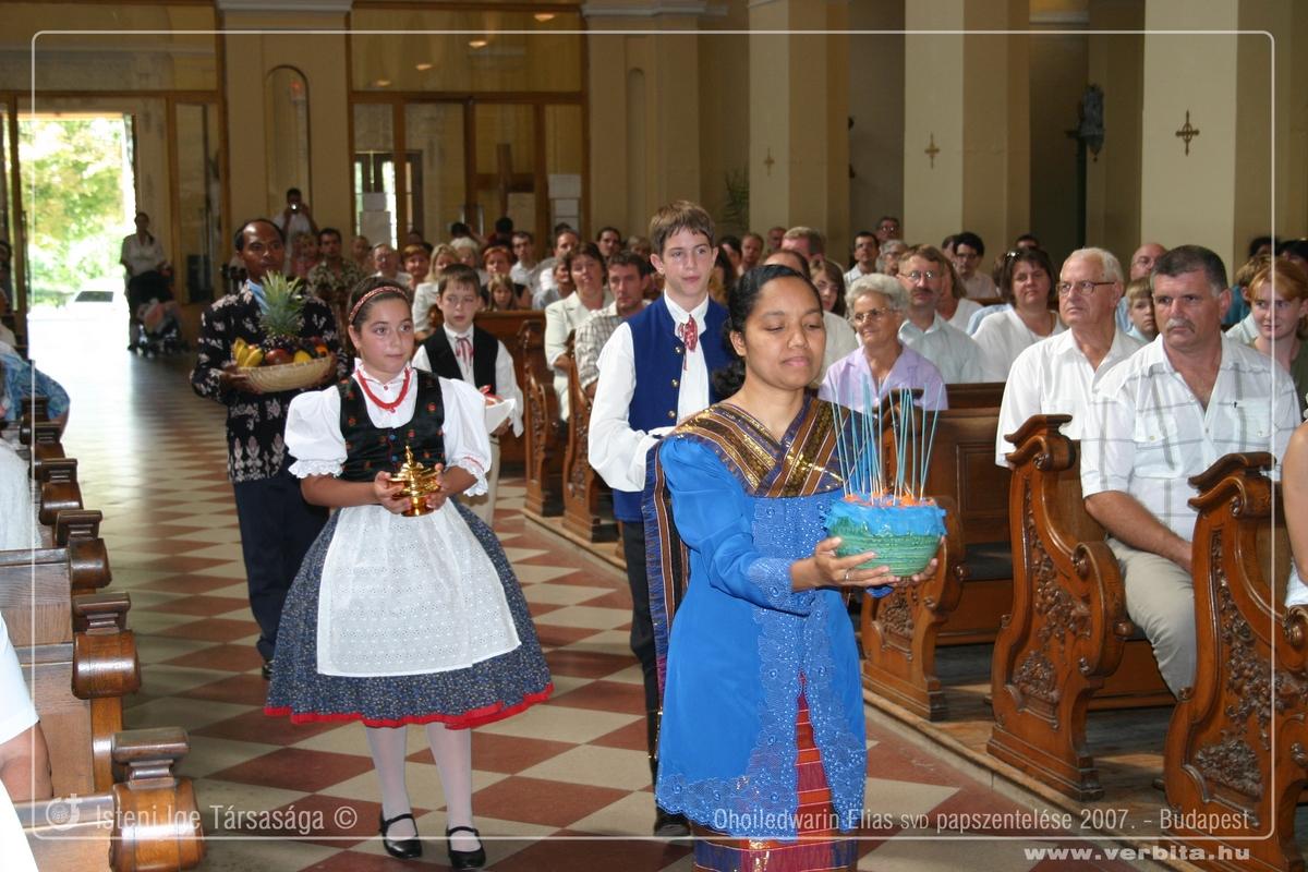 Ohoi Elly SVD papszentelése 2007. augusztus - Budapest